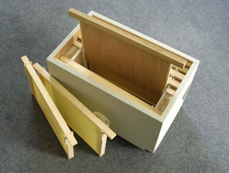 Norfolk Honey Double Sided Nuc Box For Queen Rearing